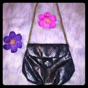 ❤️4/$20 Cute bisou bisou metallic snake print bag